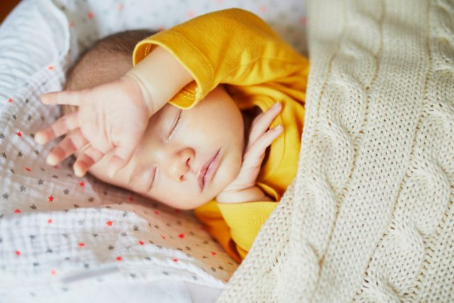 baby in mooie kleding