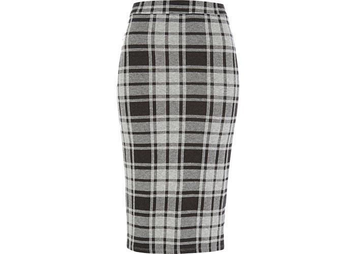 Kokerrok combineren: How to? De ruitjes pencil skirt dragen maar hoe? Ontdek hier kleding tips, outfits en looks. Kokerrok combineren: How to? Lees alles hier.