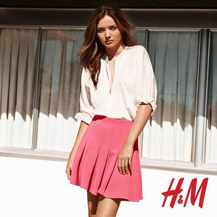 Miranda Kerr H&M. Alles over topmodel Miranda Kerr voor H&M. Miranda is het nieuwe gezicht voor de lente campagne 2014 voor de modeketen.