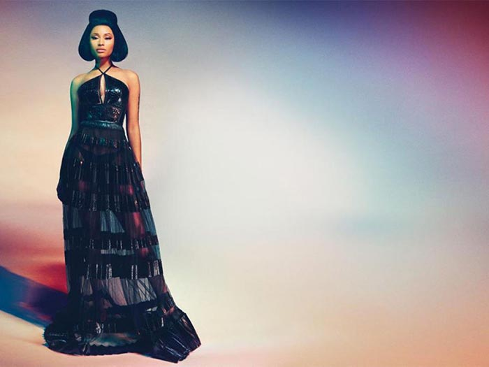 Nicki Minaj voor Roberto Cavalli 2015 lente/zomer campagne. Alles over Nicki Minaj als het nieuwe gezicht voor de lente/zomer campagne van Roberto Cavalli.