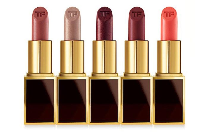 Tom Ford Lips & Boys collectie: 50 lippenstiften van reisformaat. Tom Ford beauty introduceert Lips & Boys collectie: 50 soorten met jongensnamen.